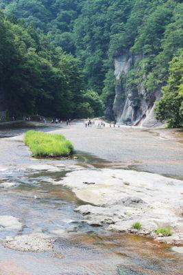 吹割の滝(浮島橋から)