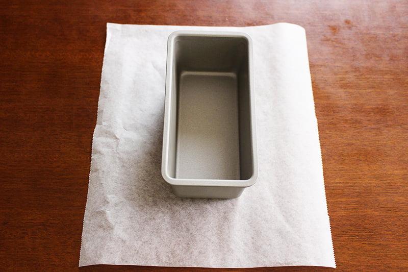 クッキングシートの敷き方(パウンドケーキ型)1