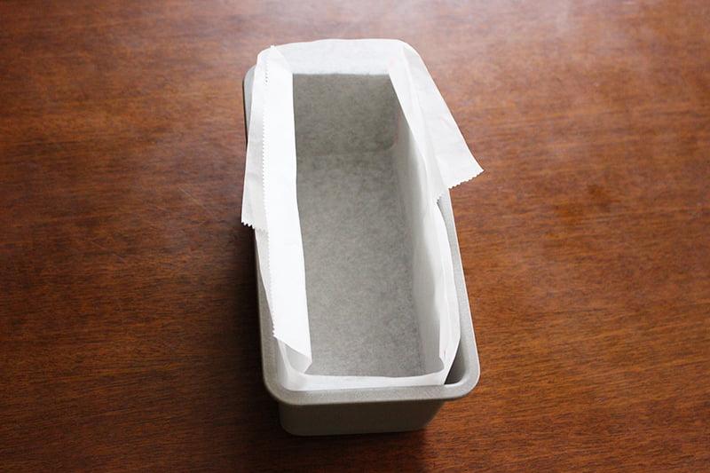 クッキングシートの敷き方(パウンドケーキ型)5