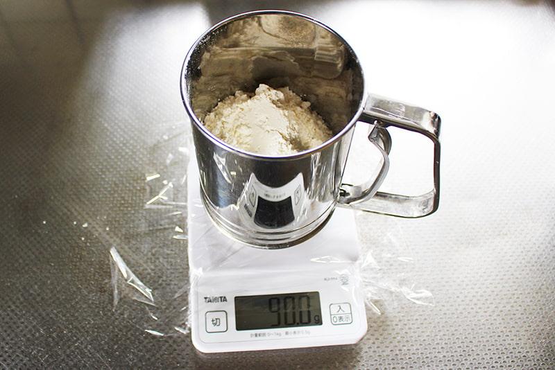 小麦粉のふるい方