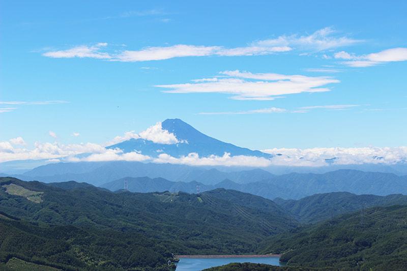 大菩薩峠 雷岩からの眺望