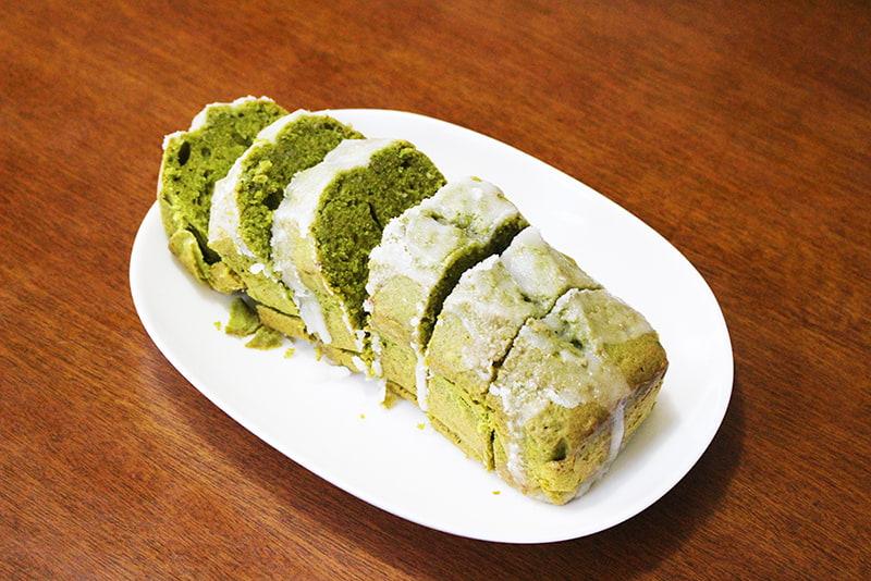 抹茶アイシングのパウンドケーキ